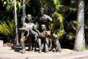 statue of Steve, Terri, Bindi, Robert, and Sui
